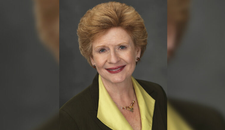 Sen  Stabenow announces legislation to improve health care