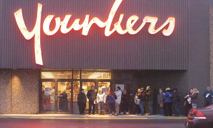 The possibility of Younkers in Duluth, along with regional department stores closing, is looking more likely. That's after it's parent company, Bon-Ton, failed to secure needed bidders at it's.