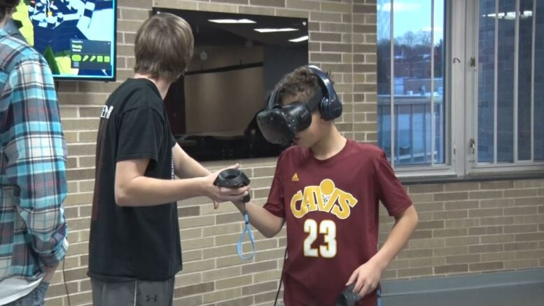 MAPS students enter the VR World - ABC 10/CW 5